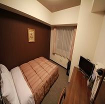セミダブルでも、お部屋を広々とお使い頂けます。