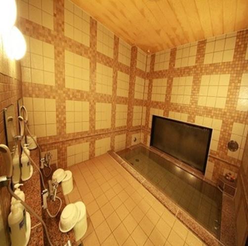 コンパクトな造りの女性大浴場でございます。
