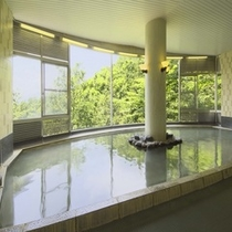 温泉大浴場(4F・5F) 乳白色の硫黄泉