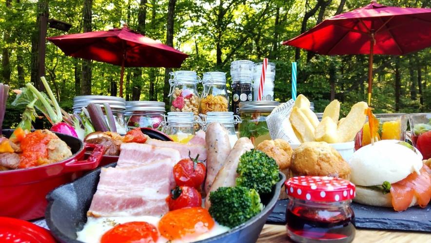森のテラスで朝食プラン