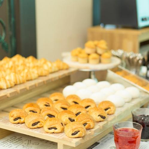 朝食ブッフェ/ブレッドコーナー