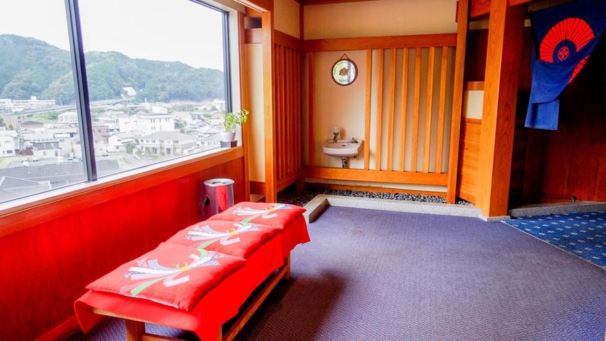 【レストラン】和田山を一望できる見晴らしのいい景色が自慢