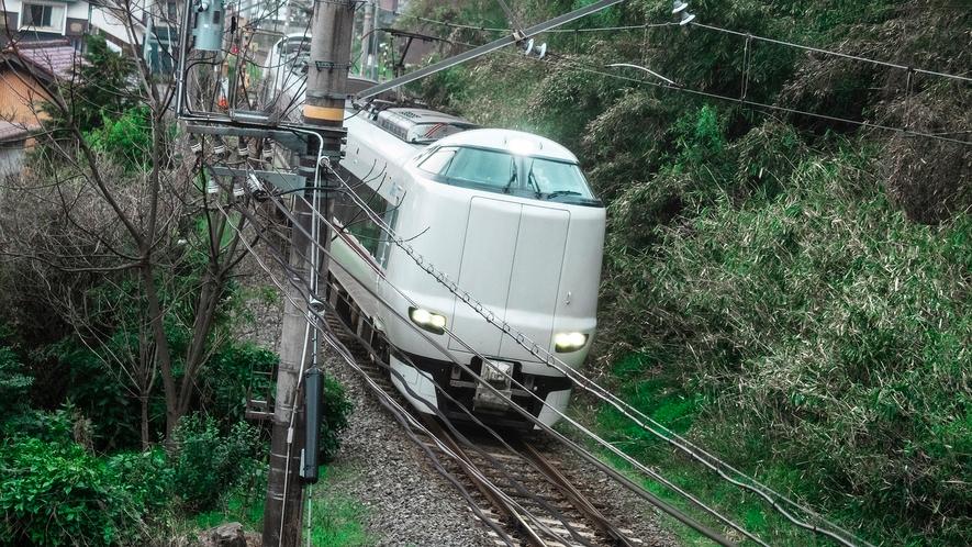 客室窓から電車が見えるお部屋がございます