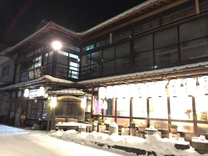 旅館雪景色