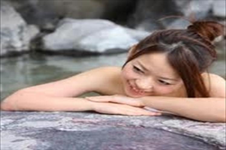 マリンタラソから車で約3分のところにある天然温泉『いちじく温泉』