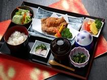 【平日ディナーにて提供】タラソレストラン 大山鶏唐揚げ御膳