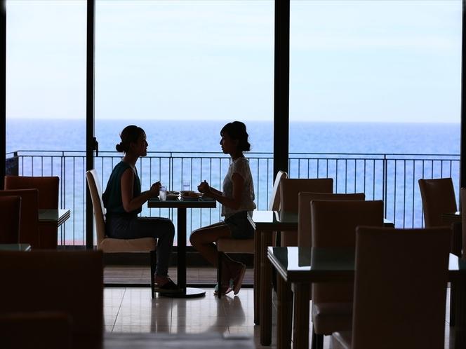 2階タラソレストランからも 夕陽や海を眺めることが出来ます