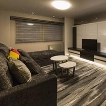 【ジュニアスイートルーム】57.3平米/広々お使いいただけるソファベッドも2つご用意しております