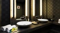 【アンヌプリスイートルーム】94平米/洗面所を2つ完備。朝の忙しい時間帯も同時に準備ができます