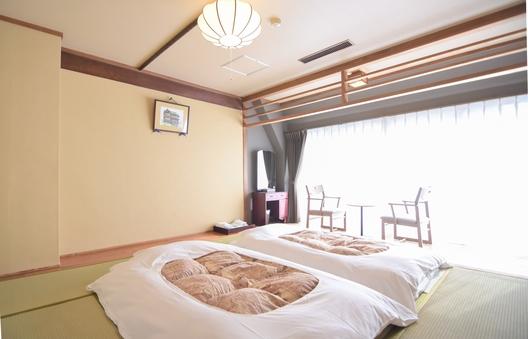 和室A 8畳〜 バス(シャワー)・トイレ付