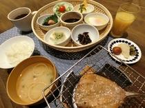 大人_和朝食