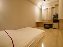 GORORI ダブル◆喫煙◆18平米◆ベッド幅140cm◆限定1室◆