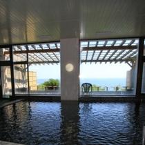 大浴場からも太平洋を望むことができます