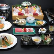 【夏の献立】雅コースです。茨城の牛・豚・鶏肉を石焼でどうぞ。刺身盛合せのみ4人前で撮影
