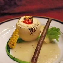 【夕食一例】旬の素材を生かした夕食は月替わりでご用意いたします