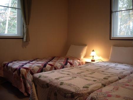野鳥のさえずりで目を覚ます静かな三人部屋13平方無線LAN