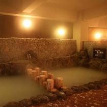 五つの滝と岩の風呂(2F 石の小道と癒しの洞窟)