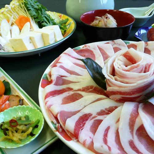 【当館名物ぼたん鍋 冬期限定】臭みもなくとろけるしし肉、カロリーも低く、新陳代謝にも効果あり!