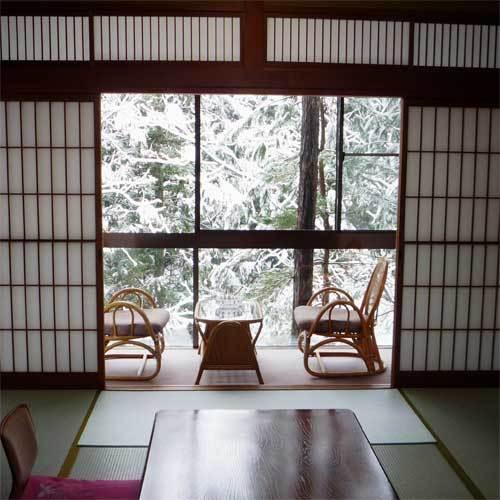 客室から雪景色をお楽しみいただけます。(一例)