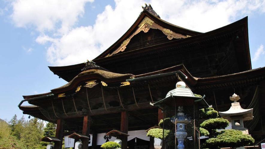 【観光】鉄板in長野善光寺(車60分)門前とあわせて参拝しましょ。お寺興味ない人も意外と楽しいです