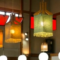 【レストラン】優しい灯りが灯るレストランで、お食事をお楽しみください。