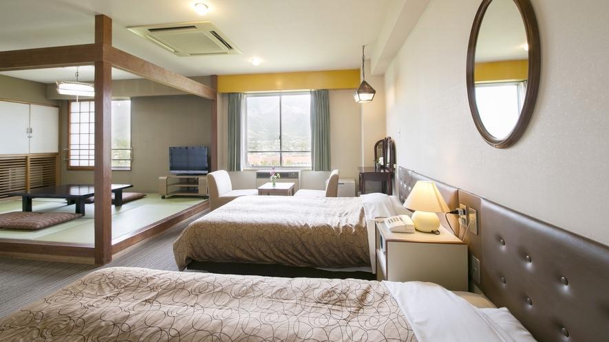 【和洋室】北アルプス側、東の森側と景色が事なる2タイプのお部屋。部屋設備に大きい違いはありません。