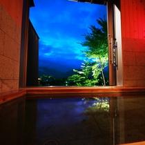 【貸切風呂】秋の夜長。しっぽりと貸切風呂を楽しむという選択肢もありますね。