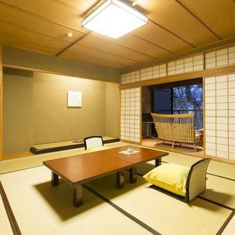 【鶴仙渓のせせらぎと竹林に和む】 12.5畳+ソファー付き
