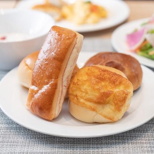 香り高いパンで至福の朝食を♪