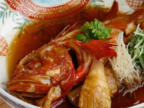 【福鮨】毎日築地より仕入れた新鮮な鮮魚をお楽しみください。