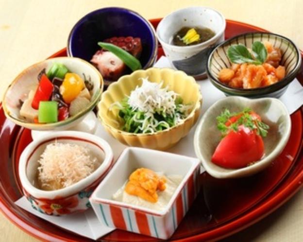 【お菜屋 わだ家】丁寧に仕込んだお料理は季節感満載です。