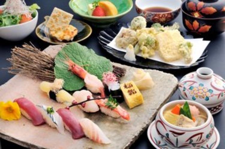 【福鮨】鮨会席としてお料理にもこだわった会席料理がお楽しみいただけます。