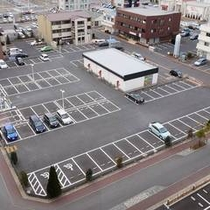 【無料駐車場】ご宿泊のお客様は無料で出し入れも自由です。