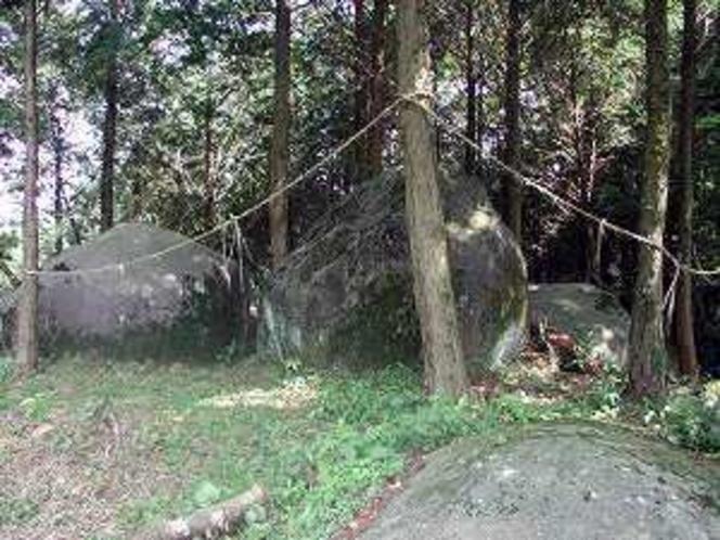 河内の拝ヶ石