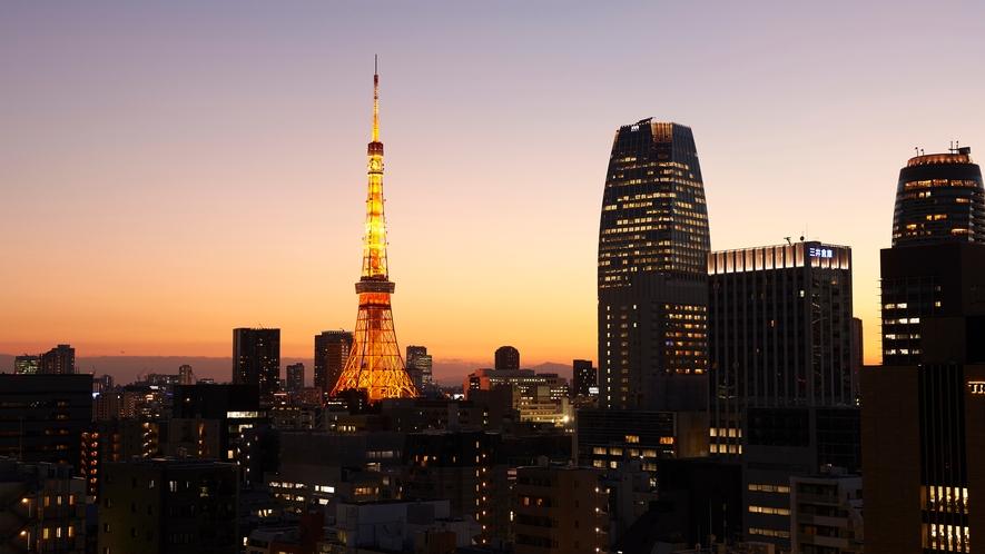 エレベーターホールからの夕景 東京タワー方面