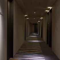 リニューアル後廊下2015年10月リニューアル