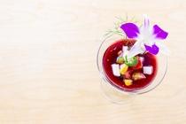 料理一例 道産葡萄を使った果実酢のジュレ彩り野菜