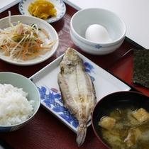 翌朝は和食をご用意致します。元気にご出発下さい。