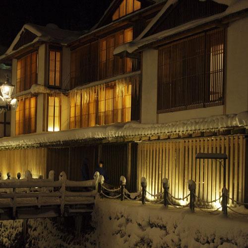 外観-冬の夜