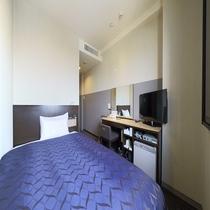 【スタンダードシングルルーム(12㎡)】120cm幅のシモンズベッドを設置