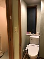 女性専用トイレ(女子シャワーブース内)