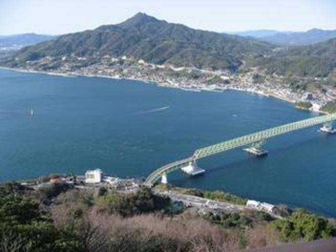 ホテルと大島大橋