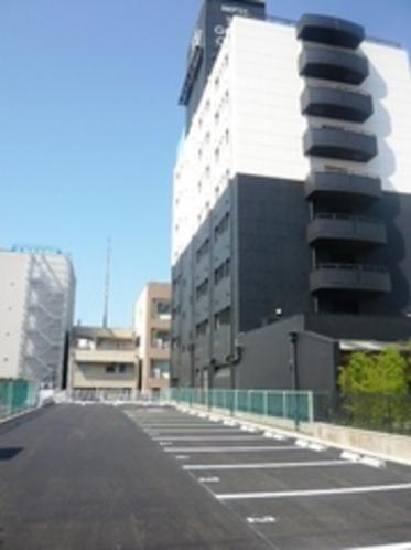 第2駐車場はホテルすぐ隣です(乗用車・バイク無料)