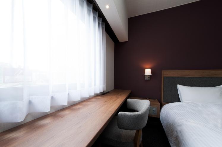 【1ベッドルーム】広々使えるライティングデスク