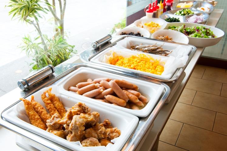 朝食カウンターからお好きなものをお選びください♪