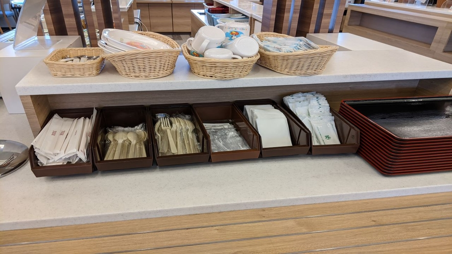 箸やフォークなど個包装でご用意しております