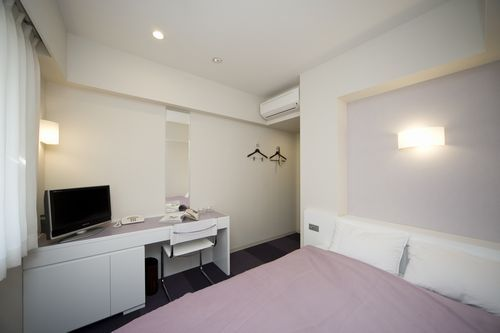 ゆったり140cm幅ベッドのダブルルーム【紫】