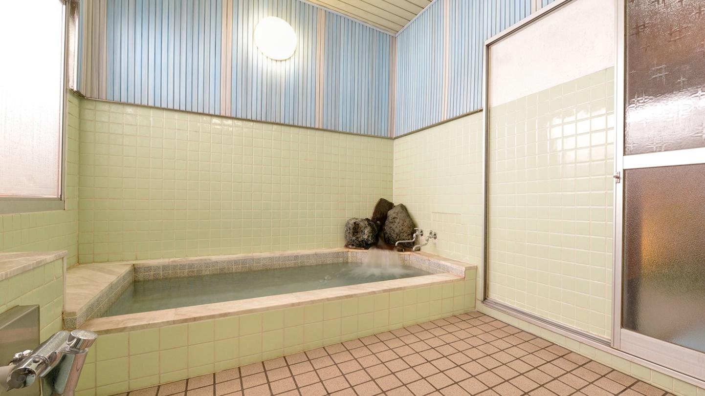 *お風呂/スキーやスノボーの疲れを癒す、ミネラル麦飯石(ヘルストン)風呂。