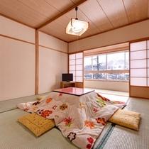 *和室8畳(客室一例)/心和む純和風のお部屋。おこたに座り家族団欒のひと時を。