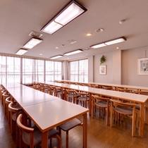 *お食事処/朝夕のお食事はこちら。定評の自家製コシヒカリとともに新潟の旬味に舌鼓。